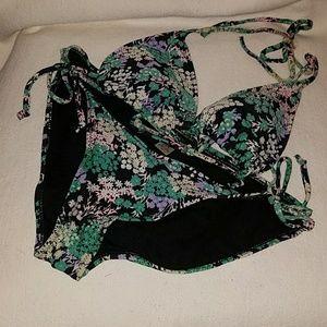 Old Navy Women's Bikini Size M Top and Bottom